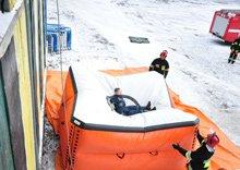 Приземление человека на спасательную подушку